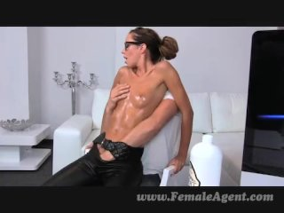Teen gets oiled by stud