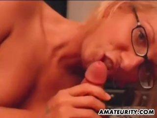 Amateur girlfriend full blowjob with cumshot