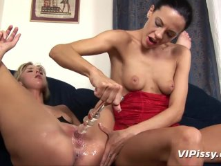 Piss lessons for my lesbian lover