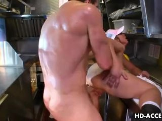 Busty hottie Nikki Hunter gets anal-drilled