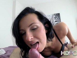 HDPOV – MILF in black bra sucks and fucking