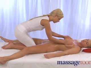 Massage Rooms – Expert lover gives oral
