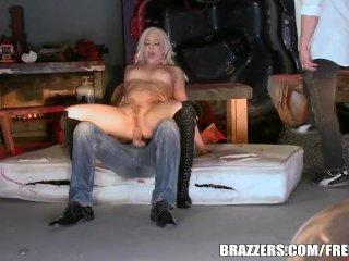 Dahlia Sky loves anal – Brazzers