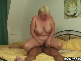 Busty girlfriends mother sucks and rides