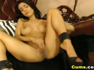 Sexy Latina Idelsy In Heels Fucks Her Pussy