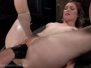 Hungry Cunt Begs To Be Fisted