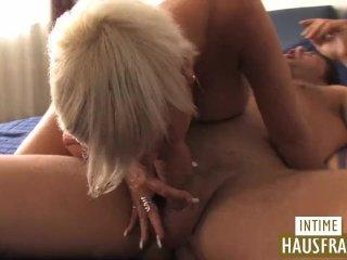 Blonde Milf mit grossen Titten