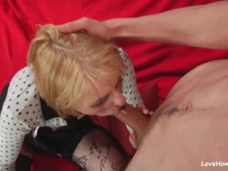 Blonde provides guy with a full oral treatment