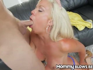 MommyBlowsBest Cheating Wife hits on Employee