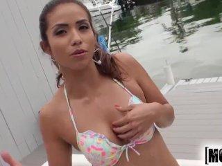 Mofos – Isabella Desantos loves hottubes, anal and cum