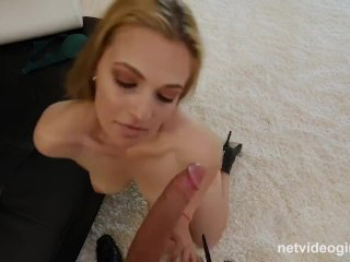 Extraordinary Amateur Makes First Sex Tape During Calendar Audition