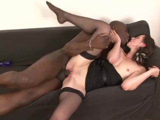 Milf gets pussy smashed by her black boyfriend she likes getting fucked