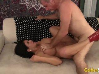 Mature woman Carolyn Jewel takes fat cock