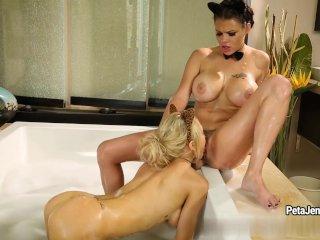 CrushGirls – Peta Jensen and Alix Lynx are horny in the bubble bath