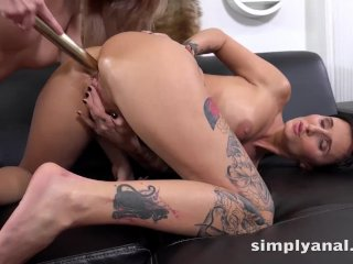 Simplyanal – Gabriela Gucci and Katy Rose tease their asses in lesbian anal