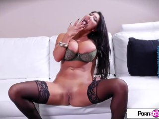 Pornstar Tease – August Taylor show you her big boobs and big booty
