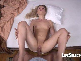 Selvaggia – Cute blonde gets fucked hard (POV)