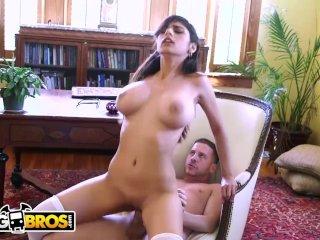 BANGBROS – Big Tits Arab Pornstar Mia Khalifa is Back and Hotter Than Ever!