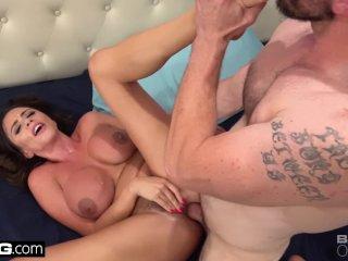 Ariella Ferrera wedges cock between giant tits