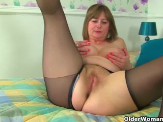 My favourite videos of English mums in tights: Lelani, April and Diana