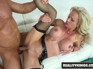 RealityKings – Milf Hunter – Chad White Raquel Sultra – Sultry Raquel