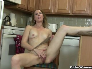 My favorite next door milfs from the USA: Amanda, Lacy and Catherine