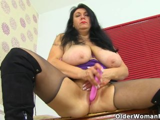 English milf Sabrina puts her big tits to good use