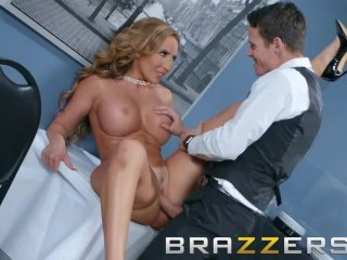 Brazzers – Milf Richelle Ryan wants some young office dick