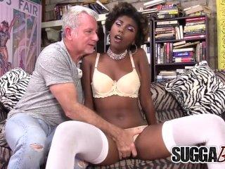 Sexy Black Minx Daizy Cooper Fucks an Older White Guy