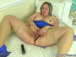 English milf Shooting Star plays with sex toys