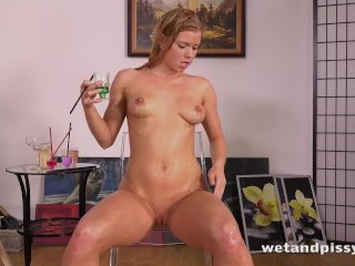 Piss Drinking – Chrissy Fox tastes her pee and gets wet and messy