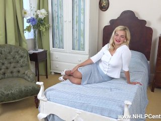 Busty babe Bad Dolly gives close ups of trimmed pussy in retro nylons heels