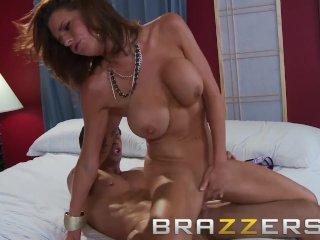 BRAZZERS – Hot milf Veronica Avluv loves anal fucking