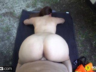 Roadside – cheating girlfriend sucks off mechanic outdoors