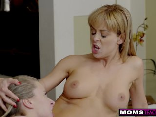 Step Siblings Give StepMom A Mothers Day Fuck S8:E4