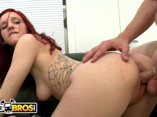BANGBROS – Insanely Hot Redhead Named Ginger Maxx On Backroom Facials