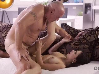 OLD4K. Mira Cuckold takes part in her first old and young sex