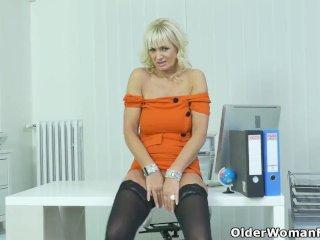 European milf Mia satisfies her needy cunt