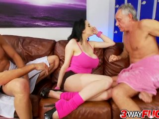 3 Way Fuck – Huge Tits Trainer Louise Jenson Shows off Her Expertise