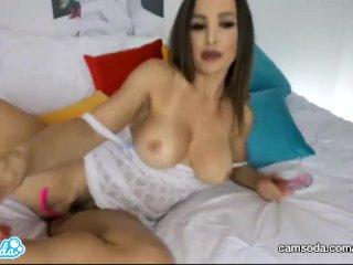 Camsoda – Lisa Ann Big Tits MILF Masturbation