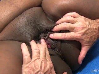 Fat Ebony MILF Daphne Daniels Has Her Delicious Black Pussy Licked n Dicked