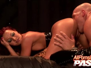 Deep Fucking With Pornstar Sandra Romain