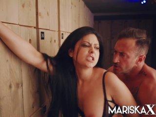 MARISKAX Sexy Mariska gets fucked in the dressing room
