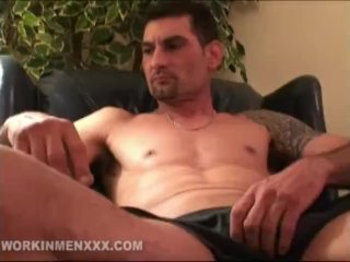 Amateur Avery Beating Off