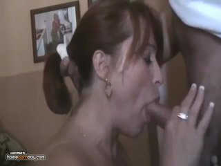 Milf does a Mouthing