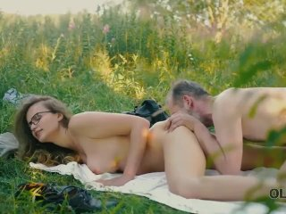 OLD4K. Gal with glasses drilled by friends old dad in the fresh air