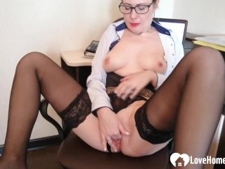 Office hottie in stockings pleasures herself passionately