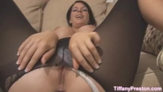 Getting her huge ass creampied