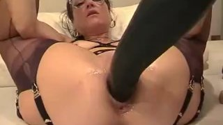 Amateur wife fisted and fucked with a giant d