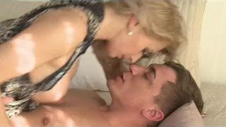 MOM - Blonde elegant horny housewife